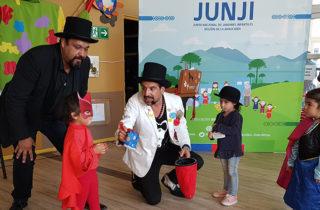 """JUNJI celebra aniversario 48 con obra """"La Magia de Aprender"""" en Angol y Villarrica"""