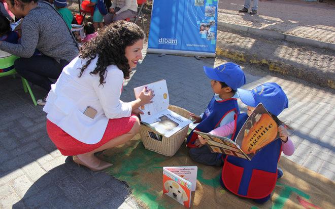 La actividad, congregó la participación de los niños y niñas, padres, madres, familias y del equipo docente del establecimiento parvulario más funcionarios del Consultorio, Biblioteca y del Programa Chile Crece Contigo.