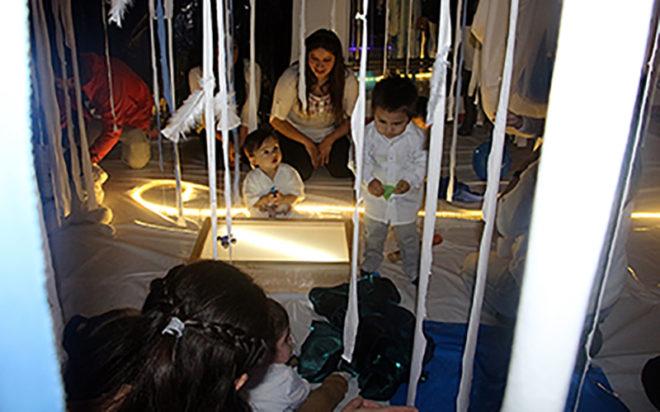 La muestra permitió comprender que a través de las artes, es posible abrir los sentidos a temprana edad considerando técnicas como la música, danza y las artes plásticas.
