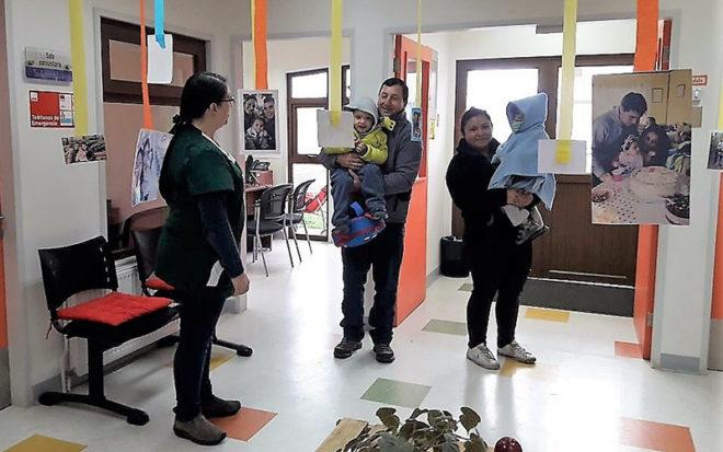 """""""La idea es fomentar y difundir a través de instancias como éstas que existan buenas prácticas dirigidas a conciliar la vida familiar y fortalecer el rol de los padres como educadores y cuidadores"""", indicó la directora del establecimiento, Rosana Rosas."""
