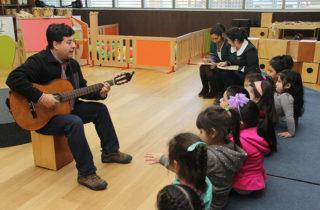 """Párvulos del Jardín Infantil """"Laguna Azul"""" estrenaron Sala de Música del Centro Infantil Integral de Juego y Movimiento"""