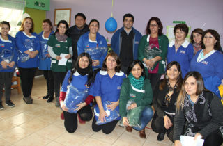 Entregan vestuario institucional a equipo educativo del Jardín Infantil Carrusel