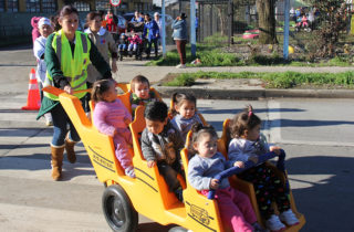 Vecinos de Costa del Sol conocen proyecto de nuevo jardín infantil