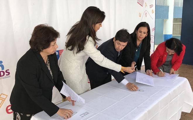 La iniciativa busca contribuir al mejoramiento de la calidad de la educación, a través del desarrollo del lenguaje y habilidades de comunicación en la población escolar y parvularia de 0 a 8 años de edad