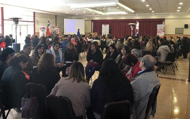 """Más de 80 organizaciones sociales participaron en el primer Diálogo Ciudadano y Participativo 2018 de la JUNJI donde se trabajó en torno a """"El jardín infantil como espacio público""""."""