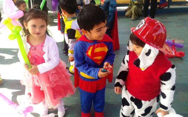 La actividad pedagógica consideró la instalación de espacios educativos de juego y entretención en los cuales se potenció el protagonismo de los niños y niñas, relevando también la importancia de los ambientes bien tratantes.