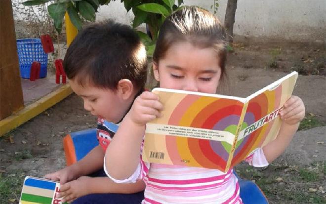 En una intensa capacitación, realizada en el marco del Plan Nacional de Lectura, se entregaron herramientas a 123 educadoras y técnicas de los jardines infantiles de la región de Valparaíso.