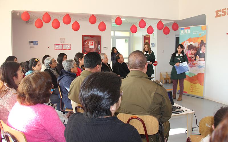 Dos nuevas unidades educativas recibieron a autoridades, vecinos, apoderados y organizaciones comunales para presentarse e invitarlos a formar parte activa de su comunidad.