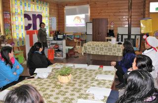 Comunidad educativa dialoga en torno al consumo televisivo infantil