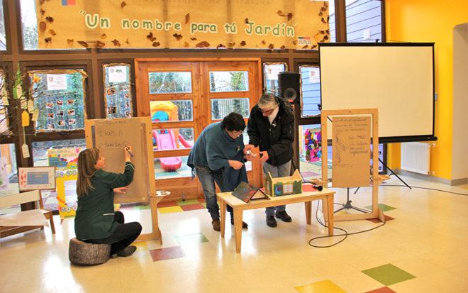 La directora de la unidad educativa, Cecilia Garrido, explicó que previo a la jornada consultiva se realizó un taller de historia local, en el que se rescató la memoria histórica de la comunidad gracias a los testimonios de los habitantes del sector rural.