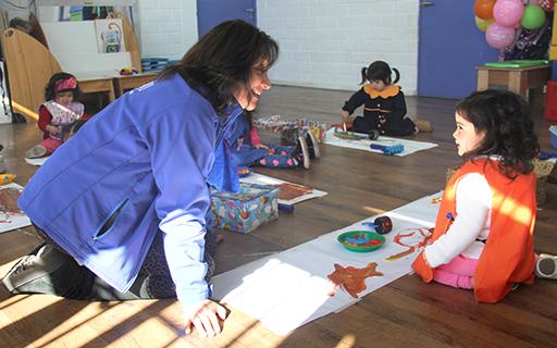 Buscar nuevas experiencias educativas para niñas y niños en el aula es lo que ha marcado su carrera profesional.