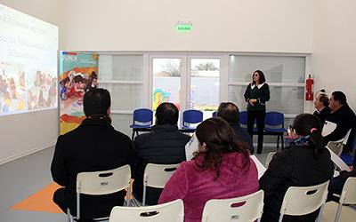 Chile Crece Contigo, Carabineros, la Cruz Roja y agrupaciones vecinales y comunales, además de representantes de la municipalidad se sumaron a apoderados y vecinos en Chimbarongo.