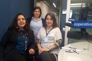 """Representantes del Departamento de Salud Bucal y JUNJI participan en el programa """"Juego, Luego Aprendo"""" en Radio Cooperativa"""