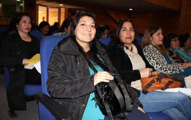 Hasta el Centro de Artes Escénicas de la comuna de Pozo Almonte, llegaron representantes de los diferentes jardines infantiles de la institución que están desplegados en las comunas de la provincia, dirigentes sociales y representantes de la Fundación Integra.