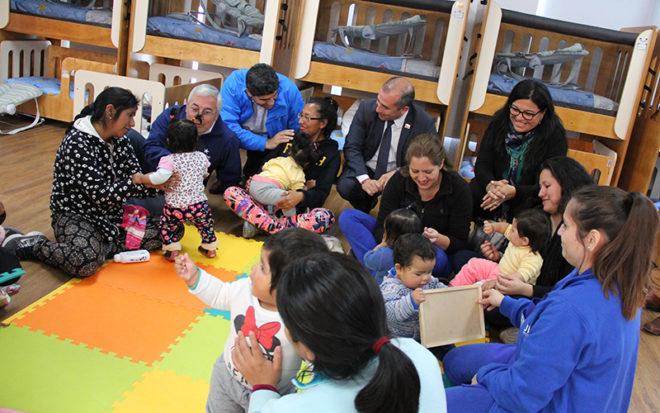 """Autoridades de la región de Tarapacá se trasladaron hasta el Jardín Infantil """"Nuevo Sol"""" de Alto Hospicio, para conmemorar este especial día."""
