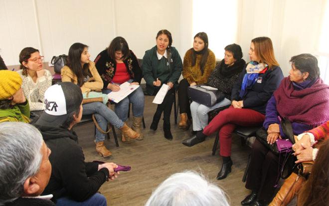 En diálogo participativo realizado en La Serena, los participantes manifestaron que los principales responsables del cuidado, educación y socialización de los niños y las niñas, y actores fundamentales en el proceso educativo, son las familias.