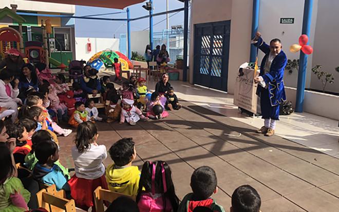 El establecimiento desarrolló diversas actividades, en el marco de la celebración del Mes de la Infancia, las que concluyeron con la presentación del mago Giácomo que cautivó a niños y niñas con sus trucos.