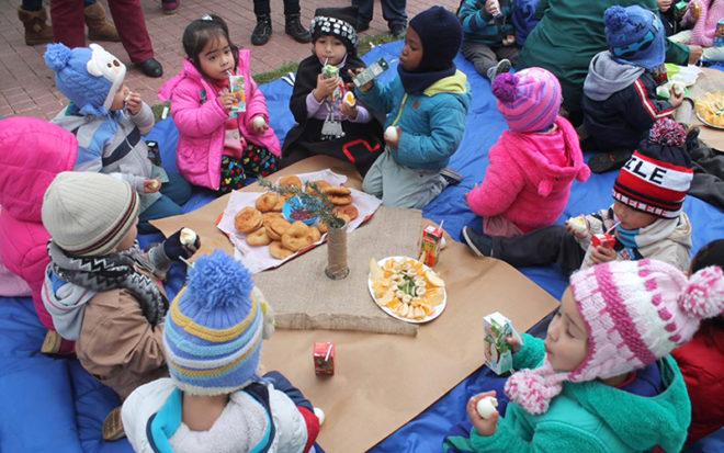 Hacer actividades de interés para todas y todos, que permitan fortalecer los vínculos familiares entre niños, niñas y sus padres o apoderados son algunas de las recomendaciones entregadas por la JUNJI Valparaíso.