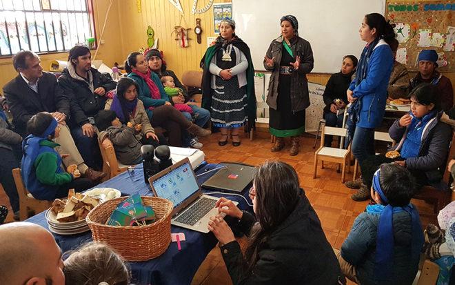La JUNJI se suma año a año a este reconocimiento con diversas actividades en los jardines infantiles, que buscan destacar el aporte de la mujer indígena en el rescate de los saberes tradicionales con pertinencia y territorialidad.