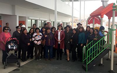 Durante el recorrido la directora regional de JUNJI, Sandra Flores, recordó que en el año 2009 y por fallas en la infraestructura, se decretó el cierre del antiguo establecimiento emplazado en ese lugar y que era administrado por la Municipalidad de Arica.