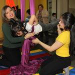 En el Centro Integral Infantil de Juego y Movimiento de Punta Arenas fueron desarrolladas distintas experiencias para compartir en familia con niños y niñas.