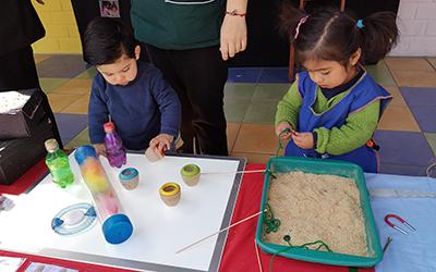 La actividad sirvió para presentar nueve proyectos educativos que se han desarrollado con los niños y niñas de todos los niveles del establecimiento