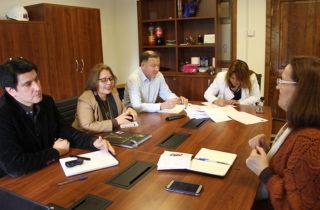JUNJI Los Ríos colabora con proyecto de la UACh que aporta al bienestar de los adultos mayores