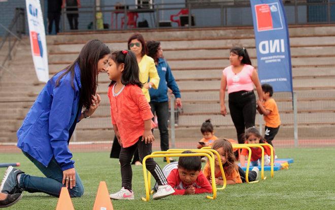 Juegos inflables, circuitos psicomotrices, mini fútbol y camas elásticas fueron algunas de las estaciones preparadas en el Estadio Canadela para recibir a los párvulos.