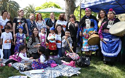 Hasta el Parque Mapuhue de La Pintana llegaron más de 500 niñas y niños de 3 y 4 años de edad, pertenecientes a 22 jardines infantiles interculturales de la Junji Metropolitana.