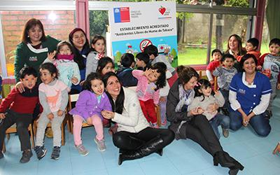La directora del establecimiento, Alicia Jaramillo, demostró su alegría y satisfacción tras la certificación recibida.