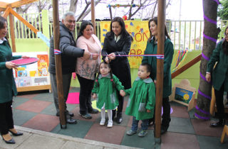 "Centro de Padres del Jardín ""KauKalem"" inaugura rincón literario infantil"