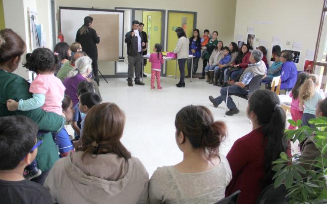 La directora del establecimiento, Sandra Oyarzún, dijo que el proceso consultivo resultó todo un éxito, ya que contó con una amplia convocatoria de madres, padres, apoderados, vecinos/as y dirigentes sociales del sector rural
