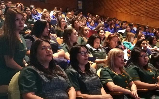 La jornada, que se realizó en el Centro Cultural de la comuna, fue inaugurada por el seremi de Educación Natan Olivos y la directora regional de la Junji Tarapacá(s), Pamela Sierra.