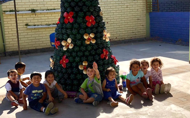 La encargada del establecimiento ubicado en la Población San José, Katherine Fibla, explicó que la iniciativa se enmarca en la educación sustentable que imparten a las niñas y niños durante todo el año.