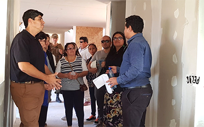 La actividad fue encabezada por el gobernador de Iquique, Álvaro Jofré y la directora regional (s) de la Junji, Pamela Sierra, quienes junto a dirigentes vecinales, carabineros y pobladores visitaron la obra.