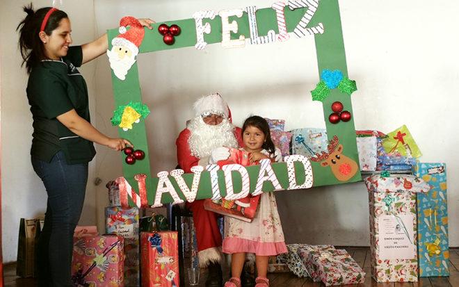 Gran entusiasmo mostraron niños y niñas en la actividad, donde recibieron algunos regalos, mientras que las autoridades participaron valoraron la alianza entre la Junji O´Higgins y Correos de Chile.