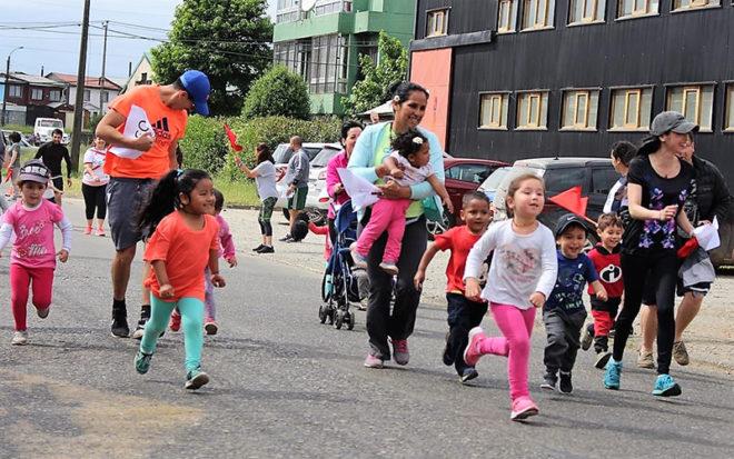 La actividad que convocó a toda la comunidad educativa, se realizó en el frontis del establecimiento, ubicado en Avenida Don Bosco, en Valdivia, lugar que se convirtió en la esperada Meta para más de una treintena de participantes, que se dieron cita en la primera versión de esta competición.