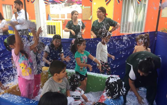 """Vianca Morales, directora regional de Arica, explicó que esta modalidad educativa funciona en 5 jardines infantiles: """"Caperucita"""", """"Capullito"""", """"Parinitas"""", """"El Pedregal"""" y """"Dumbo"""", abarcando todos los sectores de Arica, hasta el 28 de febrero."""