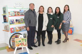 """Libros de la """"Tía Nany"""" pasaron a formar parte de la bibliomóvil del Jardín """"Villa Las Nieves"""""""