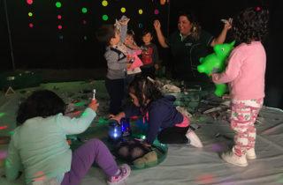 """Párvulos aprenden jugando en aniversario de sala cuna """"Pan de Azúcar"""""""