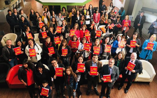 Resaltando sus creativas definiciones la institución celebró el Día Internacional del Libro Infantil y el inicio del mes aniversario de la institución, que cumplirá 49 años de vida, el próximo 22 de abril.