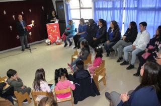 """Con un conversatorio la Junji lanzó el libro """"El ABC de los niños"""" en Punta Arenas"""