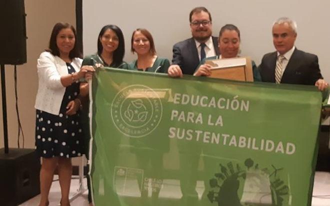 """Los establecimientos """"Caperucita"""" y """"Piolín"""" recibieron la certificación ambiental en el nivel de excelencia."""