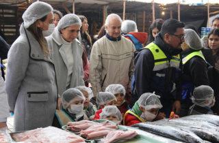Innovadora experiencia permitió a párvulos acompañar fiscalización de pescados y mariscos