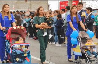 Niños y niñas participaron en desfile de Red Social y Educacional Cerro Dragón