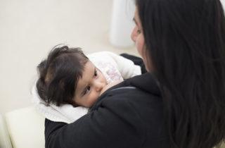 Potencia el desarrollo psicomotor en niñas y niños, fortalece el vínculo con la madre y aporta una sensación de armonía durante los primeros años de vida. Esos entre otros beneficios son los que se puede obtener en la etapa de amamantamiento según señalan desde la institución.
